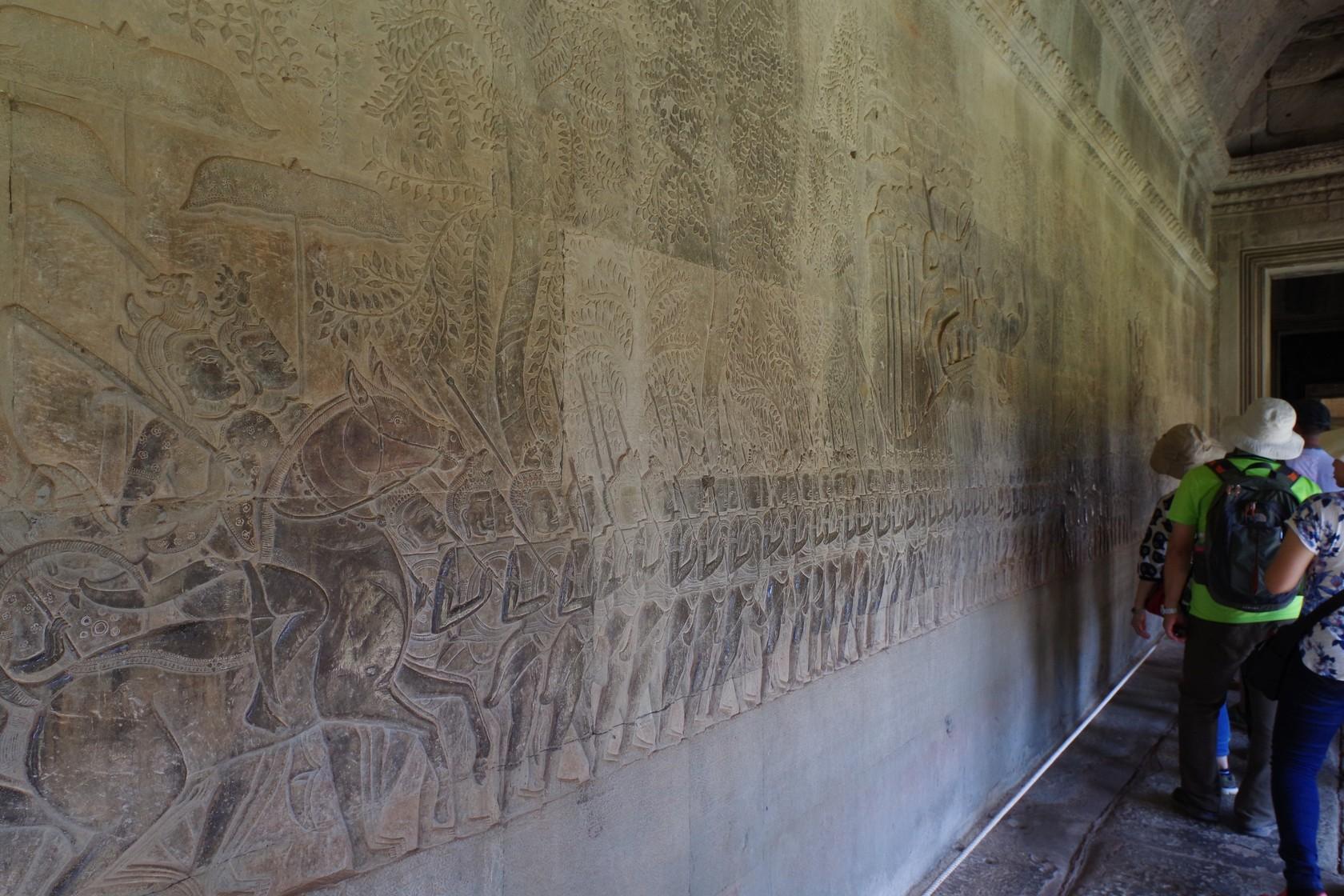南面迴廊的國王出征浮雕-吳哥窟