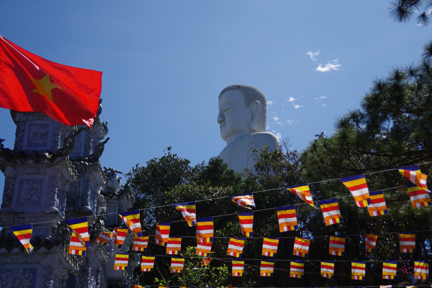 巴拿山靈應寺大佛